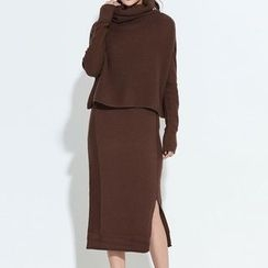 Myrtle - Set: High Neck Sweater + Slit Midi Skirt