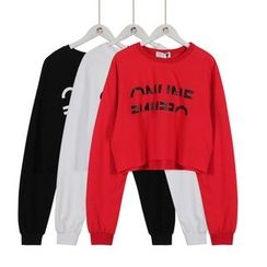 Momewear - Lettering Cropped Pullover