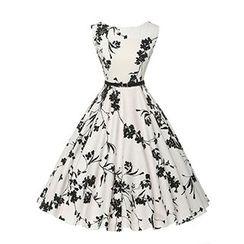 Fashion Street - Sleeveless Floral Tie Waist Dress