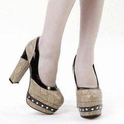 漫茜妮 - 仿蛇紋飾釘方水台高跟鞋