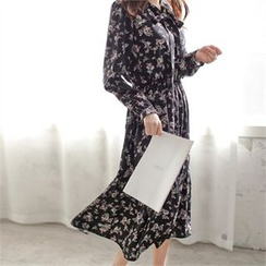 Styleberry - Tie-Neck Floral Print A-Line Dress