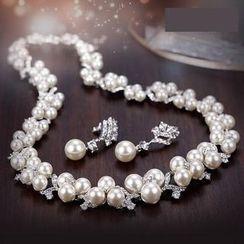 伊泰莲娜 - 套装: 仿珍珠项链 + 耳坠
