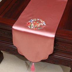 Sun East - Tasseled Floral Table Mat