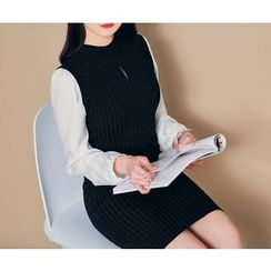 HOTPING - Sleeveless Cutout-Front Knit Dress