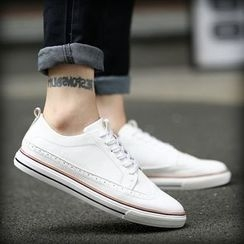 Araeo - Lace Up Sneakers