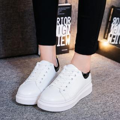 Wello - Platform Lace Up Sneakers