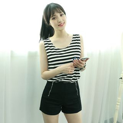 Dodostyle - Stripe Sleeveless Top