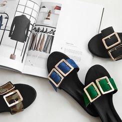 NIPONJJUYA - Buckle Slide Sandals