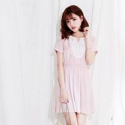 Tokyo Fashion - Crochet Panel Short-Sleeve Dress