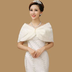 YACCA - Bridal Faux Fur Shawl