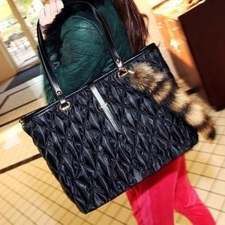 TAIPEI STAR - Faux-Fur-Charm Quilted Tote