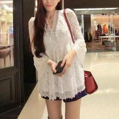 Jolly Club - V-Neck Lace Top