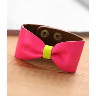 Petit et Belle - Faux Leather Bow Cuff