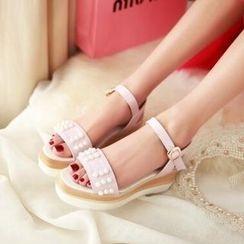 Tomma - Studded Platform Sandals