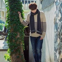 Thantrue - Patterned Cable-Knit Scarf