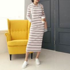 DANI LOVE - Slim-Fit Long Pullover Dress