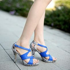59th Street - Cross-Strap Platform Sandals
