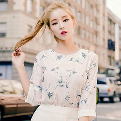 chuu - Elbow-Sleeve Floral Pattern Top
