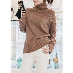 Chlo.D.Manon - Turtle-Neck Dip-Back Sweater