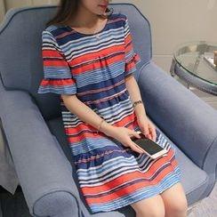 Q.C.T - 短袖條紋連衣裙