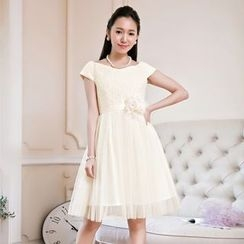 Holiday Lady - Short-Sleeve Flower Cocktail Dress