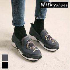 Wifky - Appliqué Slip-Ons
