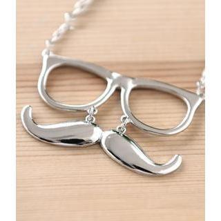 Petit et Belle - Hipster Eyeglasses & Moustache Necklace