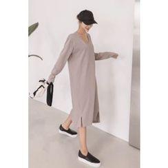 PPGIRL - Pocket-Detail Slit-Side Midi Dress