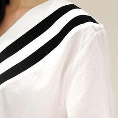 NANING9 - V-Neck 3/4-Sleeve T-Shirt