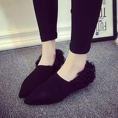 周董女鞋 - 毛毛边尖头平跟鞋