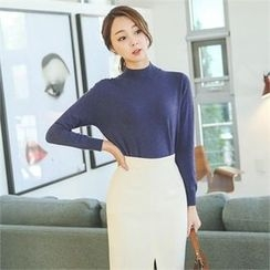 ode' - Mock-Neck Colored Knit Top