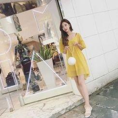 氣質淑女 - 燈籠袖V領雪紡連衣裙