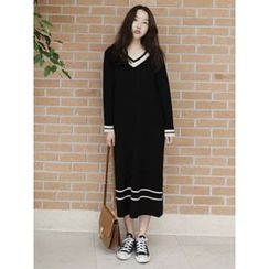 maybe-baby - Contrast-Trim Ribbed Long Knit Dress