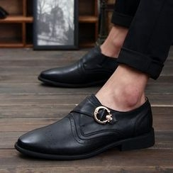 Hipsteria - Buckled Dress Shoes