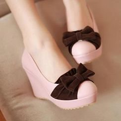 Sidewalk - Bow-Accent Wedge Pumps