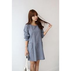 Momnuri - Maternity Puff-Sleeve Plaid Shift Dress