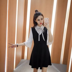 CHIH - Set: Bell-Sleeve Blouse + Pinafore