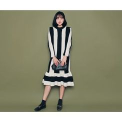 HOTPING - Color-Block Ruffle-Hem Knit Dress