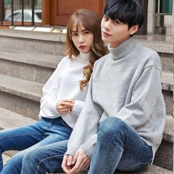 TOMONARI - Couple Mock-Neck Colored Knit Top