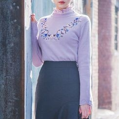 chuu - Scallop-Edge Flower-Embroider Knit Top
