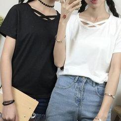 Imogen - Cross Strap Short-Sleeve T-shirt