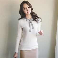 ode' - Tie-Neck Keyhole-Front Knit Top
