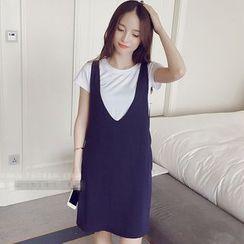 Fancy Show - Set: Short-Sleeve T-Shirt + Suspender Dress