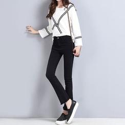 Yumerakka - Distressed Elastic Boot-Cut Cropped Jeans
