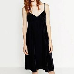 Chicsense - Sleeveless Velvet Dress