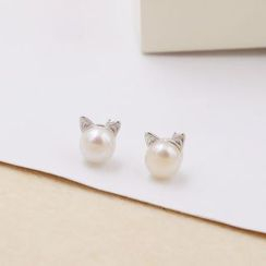 Love Generation - Cat Freshwater Pearl Stud Earrings