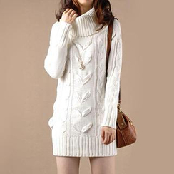 Yammi - Long-Sleeve Pullover Sweater