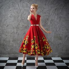 Coeur Wedding - Floral Print Sleeveless Cocktail Dress