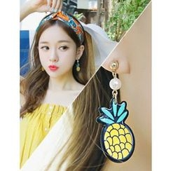 soo n soo - Faux-Pearl Pineapple Dangle Earrings