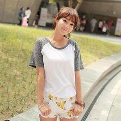 CLICK - Raglan-Sleeved T-Shirt